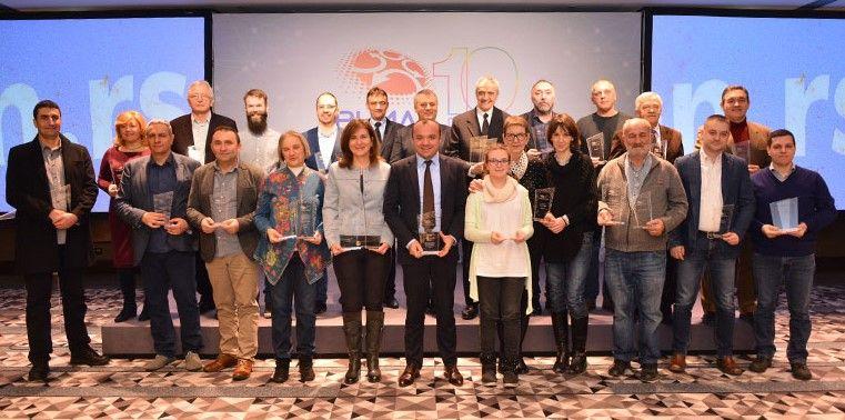 """Beogradska otvorena škola dobila priznanje od Fondacije """"Registar nacionalnog internet domena Srbije"""""""
